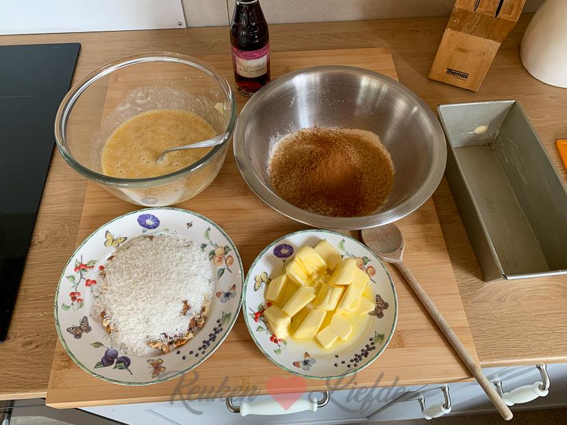Bananenbrood met walnoot en kokos