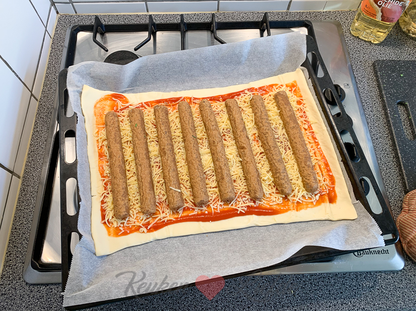 Frikandel speciaal pizza