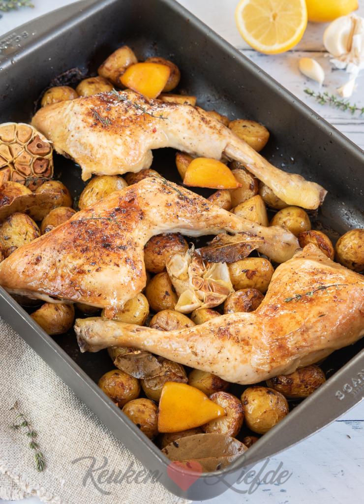 Kippenbouten uit de oven (met knoflook, citroen en krieltjes)