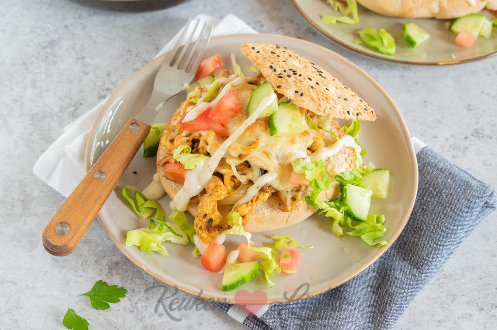 Turkse broodjes met kipshoarma