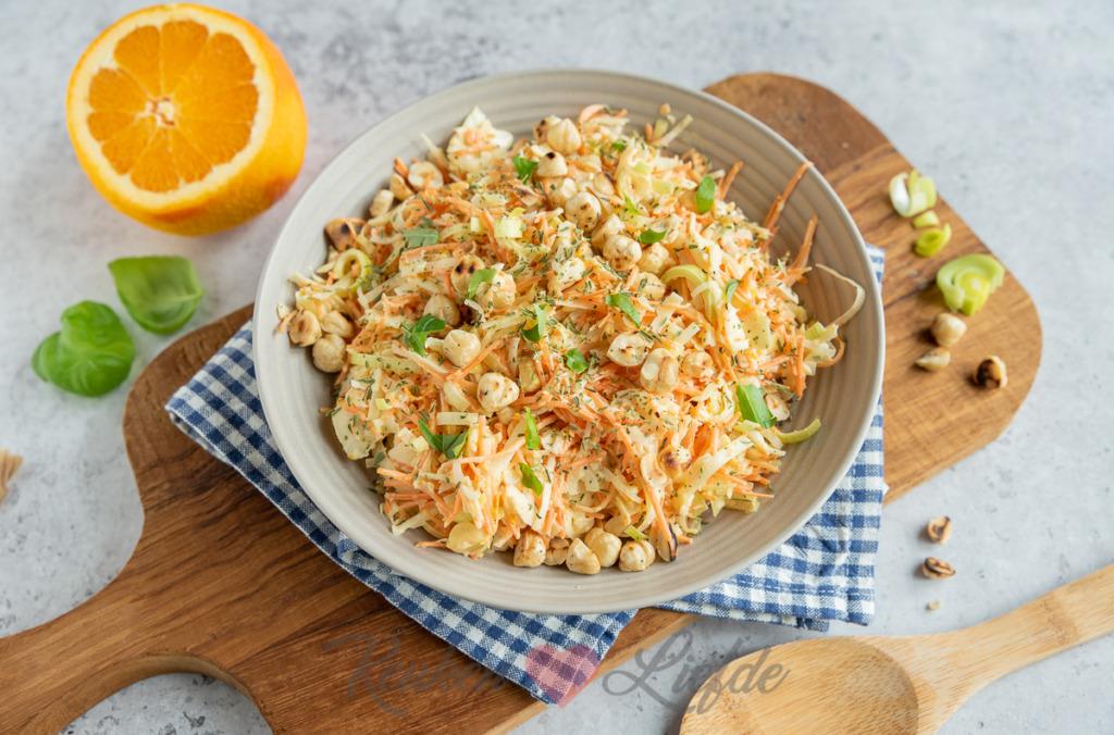 Wortel-wittekoolsalade met sinaasappeldressing