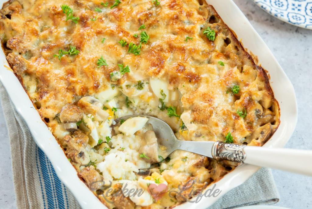 Rijstschotel met kip en champignonroomsaus