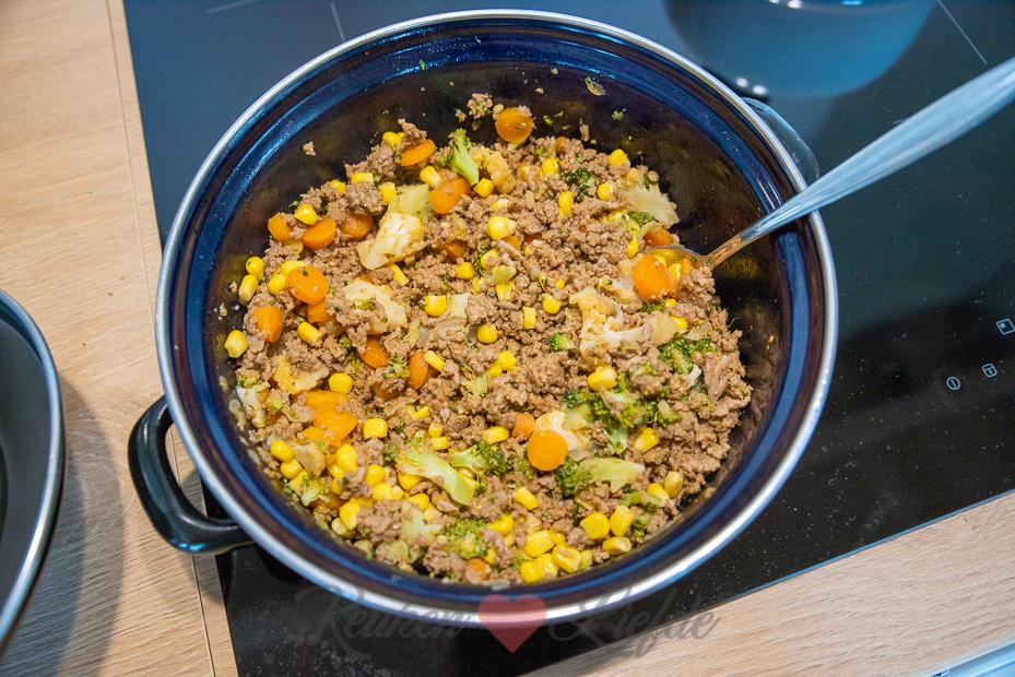 Nacho's van de bakplaat met gehakt en groenten